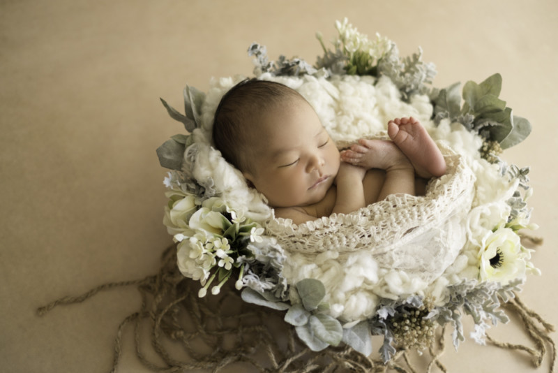 3fd4547165a58afc9255b19cedc0b617 1 800x534 - What newborn photo