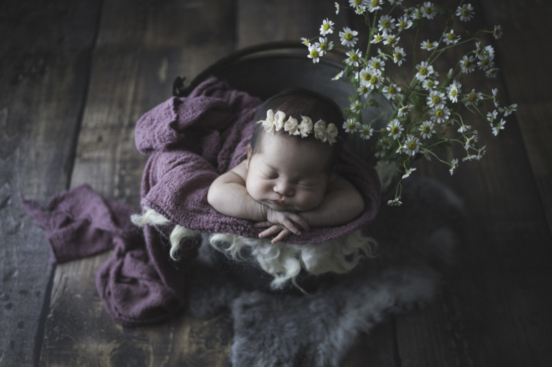b5092baed26e95fba5833301e80a57b8 800x533 - What newborn photo