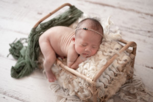 091a09be5393dbd30974566818cc3b80 300x200 - gallery newborn