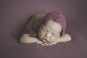 chinonhands 1 300x200 - gallery newborn